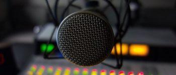 توضیحاتی راجع به خشم مجری رادیو از عروس آقای سفیر